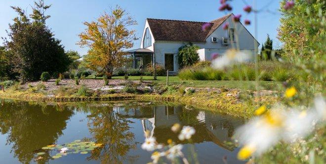 Domaine-de-Bellevue-etang-mare-eau-hotel-restaurant-spa