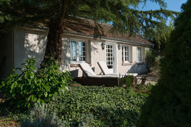 lodge-framboise-jardin-solarium-terrasse-transat