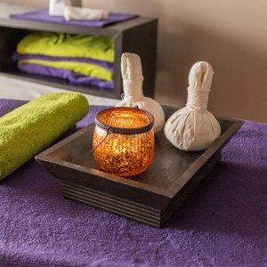 détails d'ustensiles pour des massages et soin esthétiques au domaine de bellevue à neufmoutiers en Brie proche de paris pour un soin au SPA, hotel et restaurant.