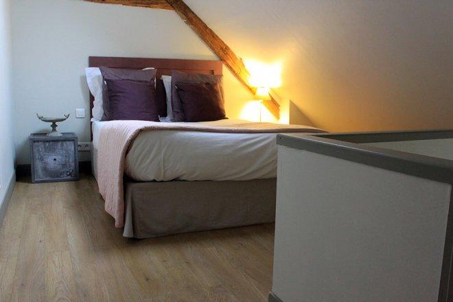 standard-duplex-etage-chambre-hotel-lit-mansarde