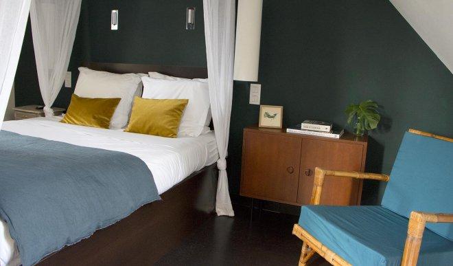 hotel-chambre-lit-baldaquin-deco-design-tendance