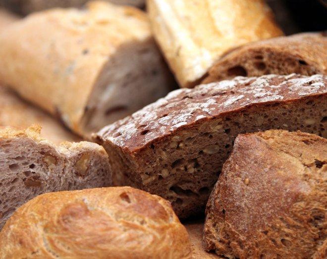 petit-dejeuner-pain-cereales-baguette