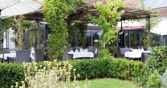 terrasse-restaurant-pergola