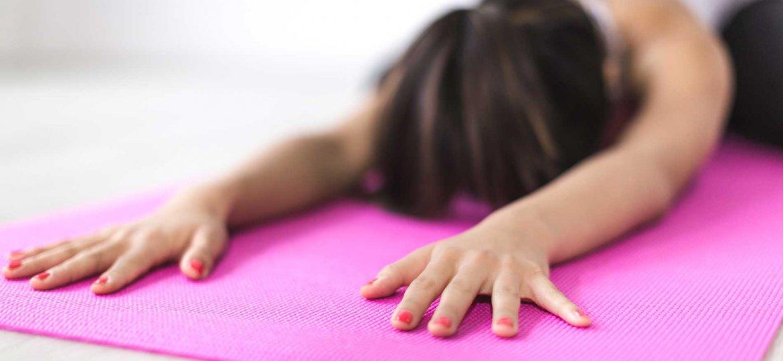 yoga-pisition-tapis